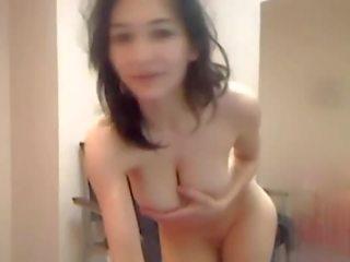 Seksikäs alasti musta tyttöjen pillua